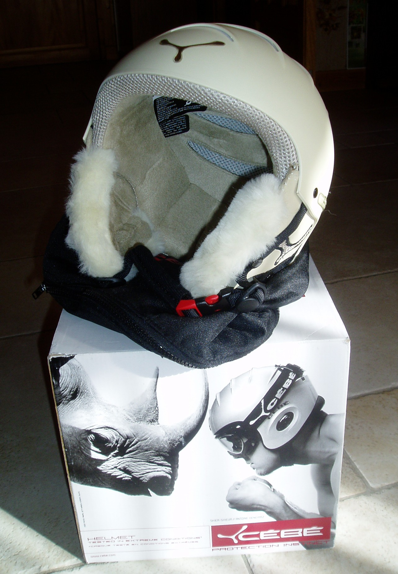 vend casque c b mat riel de ski alpin vendre. Black Bedroom Furniture Sets. Home Design Ideas
