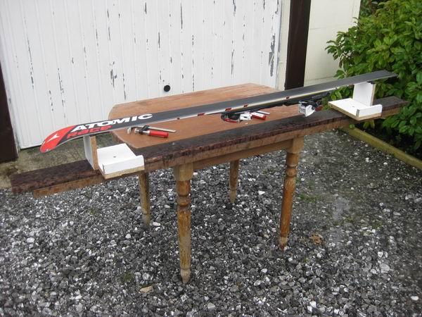 Trucs et astuce fabriquer un tabli d 39 entretien ski for Table d occasion en bois
