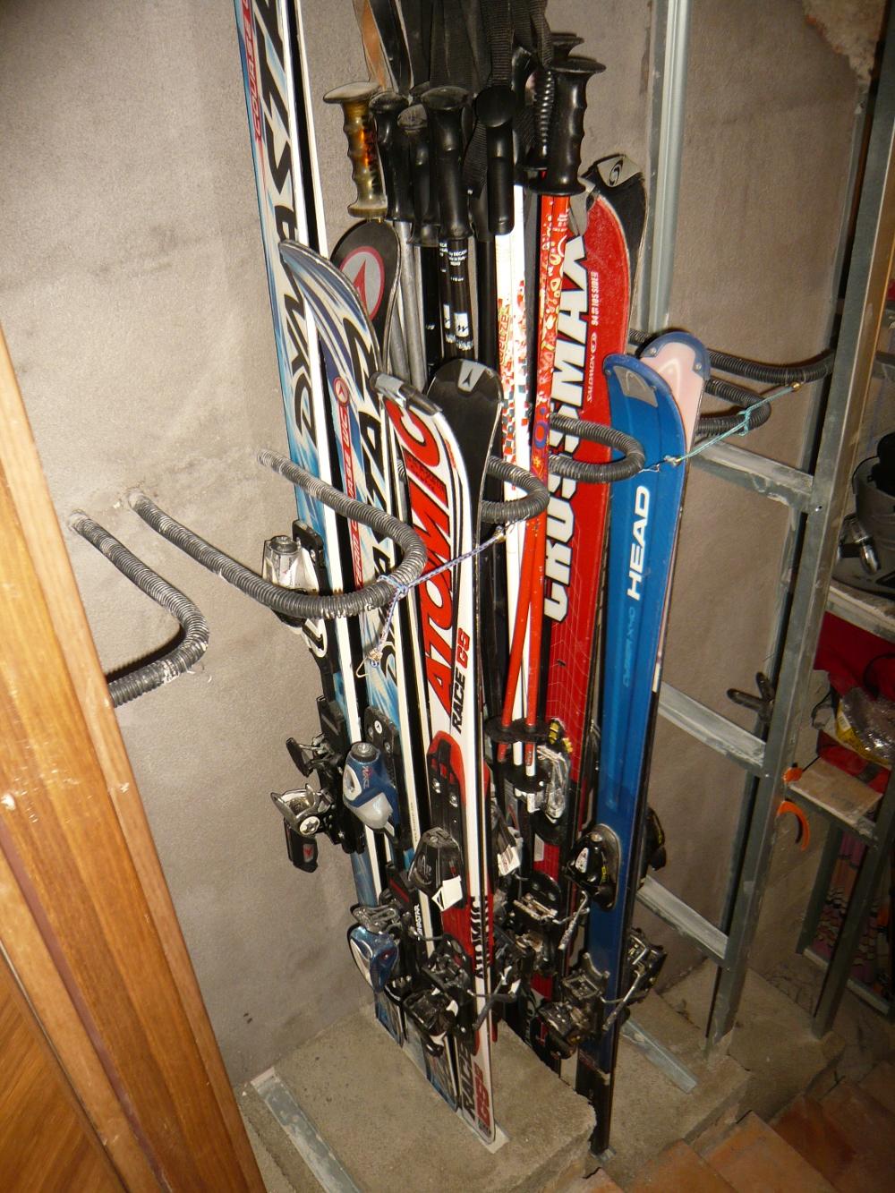 stocker ses skis comment faire entretien et r parations. Black Bedroom Furniture Sets. Home Design Ideas
